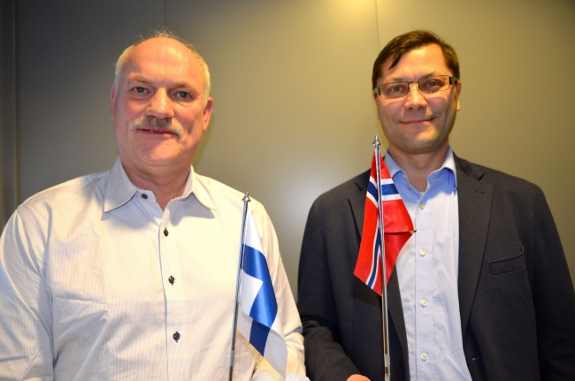 Stig Nerdal from Transportutvikling AS and Timo Lohl from the Arctic Corridor project want a railway connection between Rovaniemi and Kirkenes. (Atle Staalesen/Barents Observer)
