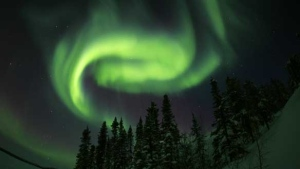 Strong aurora viewing numbers are seen as the catalyst for a spike in visitors to Yellowknife, according to the Northern Frontier Visitor's Centre. ((James Pugsley/Astronomy North))