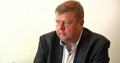 The CEO of the beleaguered Talvivaara mine gets more bad news. (Kalle Heikkinen / Yle)