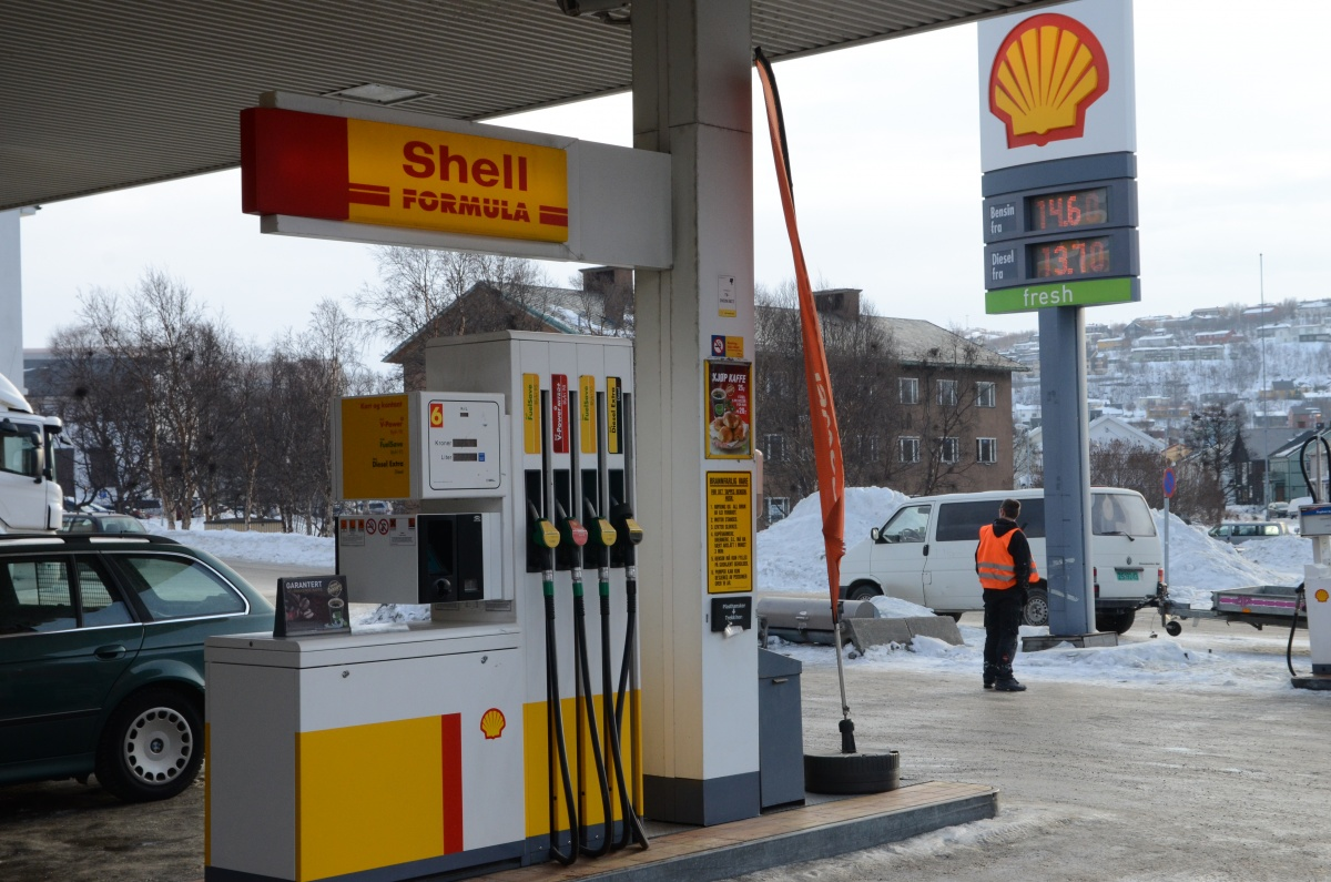 Gas is nearly three times the price at Shell in Kirkenes compared with Russia. (Thomas Nilsen/Barents Observer)