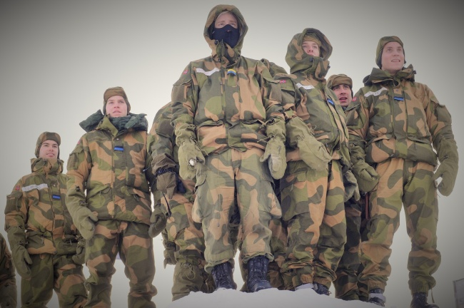 Norwegian soldiers ready for cold climate winter drill. (Thomas Nilsen/Barents Observer)