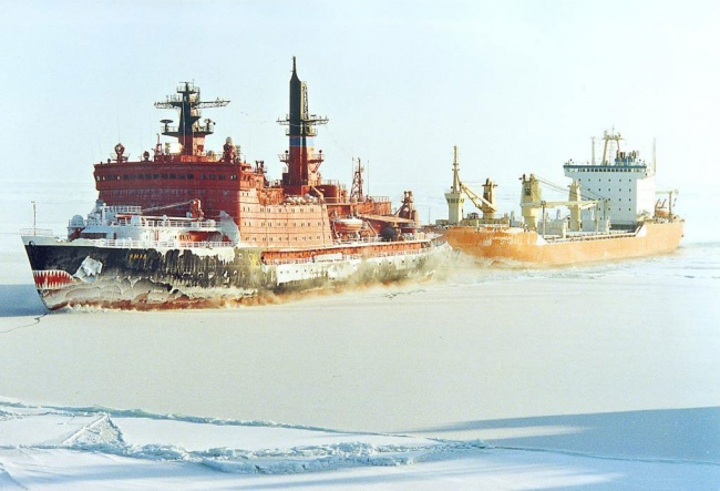 The Northern Sea Route must be better developed, regional governors say. (Photo: Rosatomflot.ru)