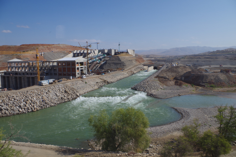 A dam seen from the train between Kayseri and Kars. (Mia Bennett, 2013)