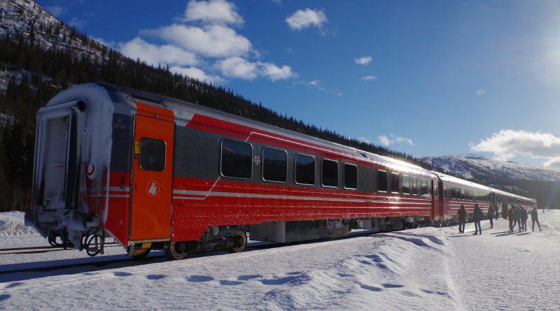 A brief stop along the Nordland Railway. (Mia Bennett)