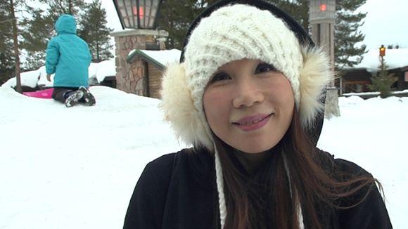 Vicki Kwok of Hong Kong was visiting Rovaniemi in February. (Uula Kuvaja / Yle)
