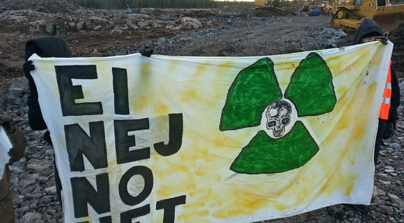 Anti-nuclear campaigners are trying to stop Fennovoima from building a new plant in North Ostrobothnia. (Antti Pylväs / Yle)