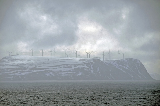 Windmills in Finnmark. (Trude Pettersen/Barents Observer)