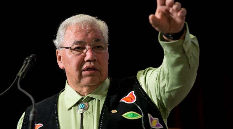 Truth and Reconciliation Commission Chair Justice Murray Sinclair speaks during the Grand entry ceremony during the second day of closing events for the Truth and Reconciliation Commission in Ottawa, Monday June 1, 2015. (Adrian Wyld/The Canadian Press)