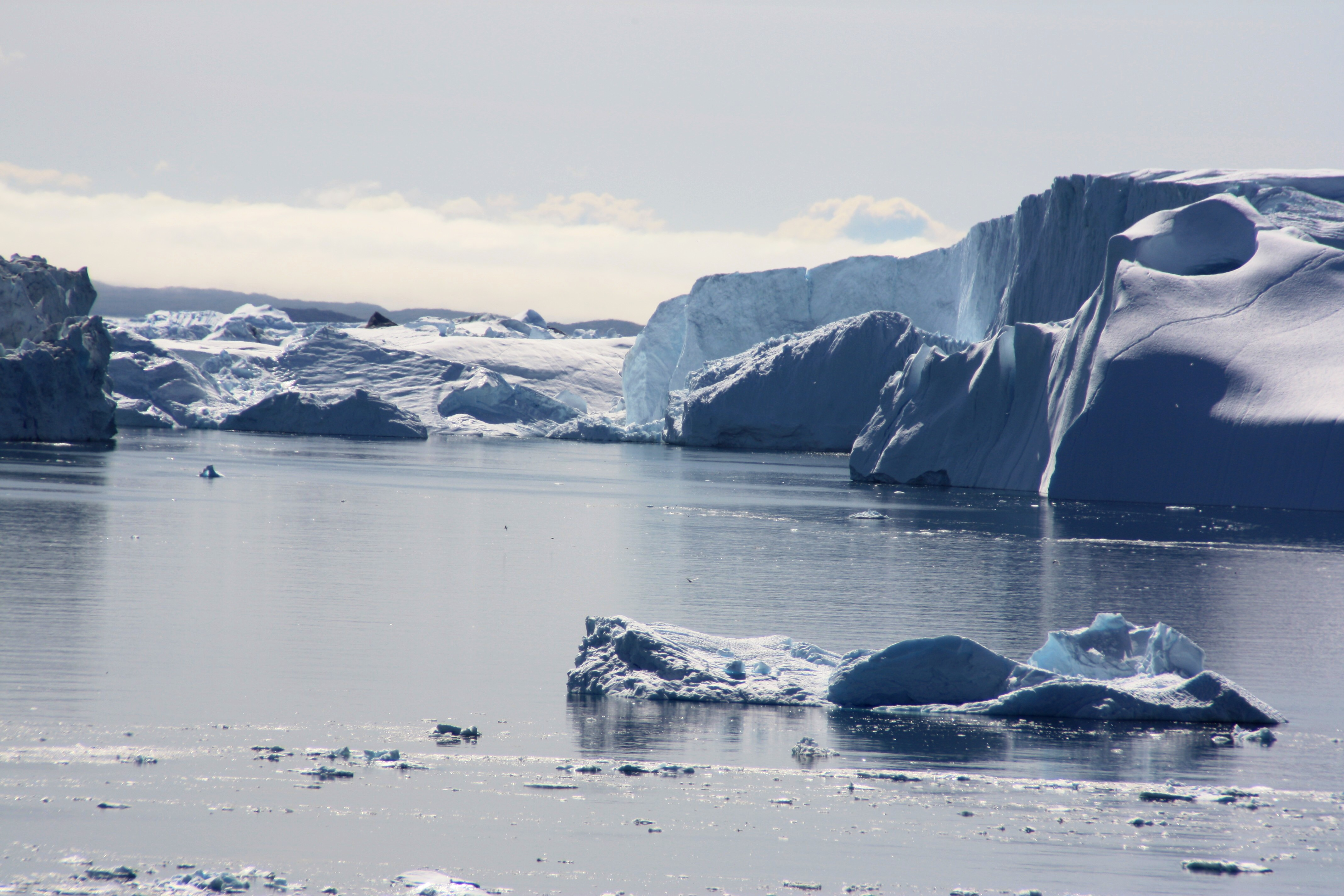 The Sermeq Kujualleq glacier discharges icebergs into the sea. (Irene Quaile/Ilulissat, 2009)