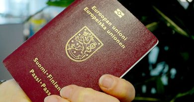 A Finnish passport can be cancelled under various circumstances. (Tuomas Hirvonen / Yle)