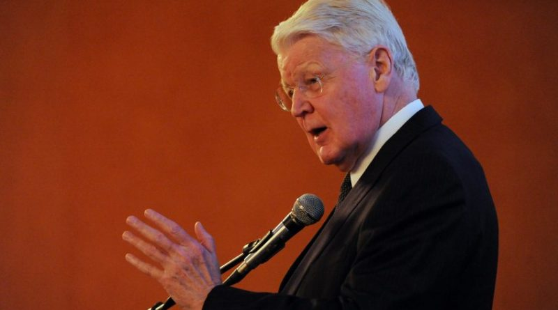 "President Ólafur Ragnar Grímsson of Iceland was the keynote speaker during the opening dinner for ""The Alaskan Arctic: A Summit on Shipping and Ports"" in the Hotel Captain Cook on Sunday, Aug. 23, 2015. (Bill Roth / Alaska Dispatch News)"