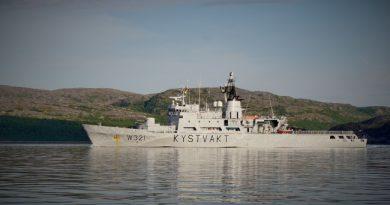"""""""KV Senja"""" outside Kirkenes before sailing to Arkhangelsk. (Thomas Nilsen/Barents Observer)"""