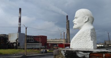 The smelter in Nikel near Russia's border to Norway is the No. 1 polluter of sulphur dioxide in the Barents Region. (Thomas Nilsen/Barents Observer)