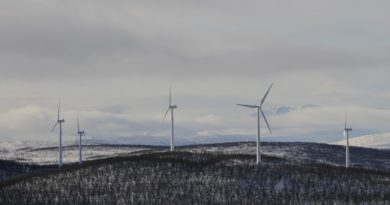 Wind turbines are covering increasingly bigger lands in northern Finland. (Thomas Nilsen/Barents Observer)