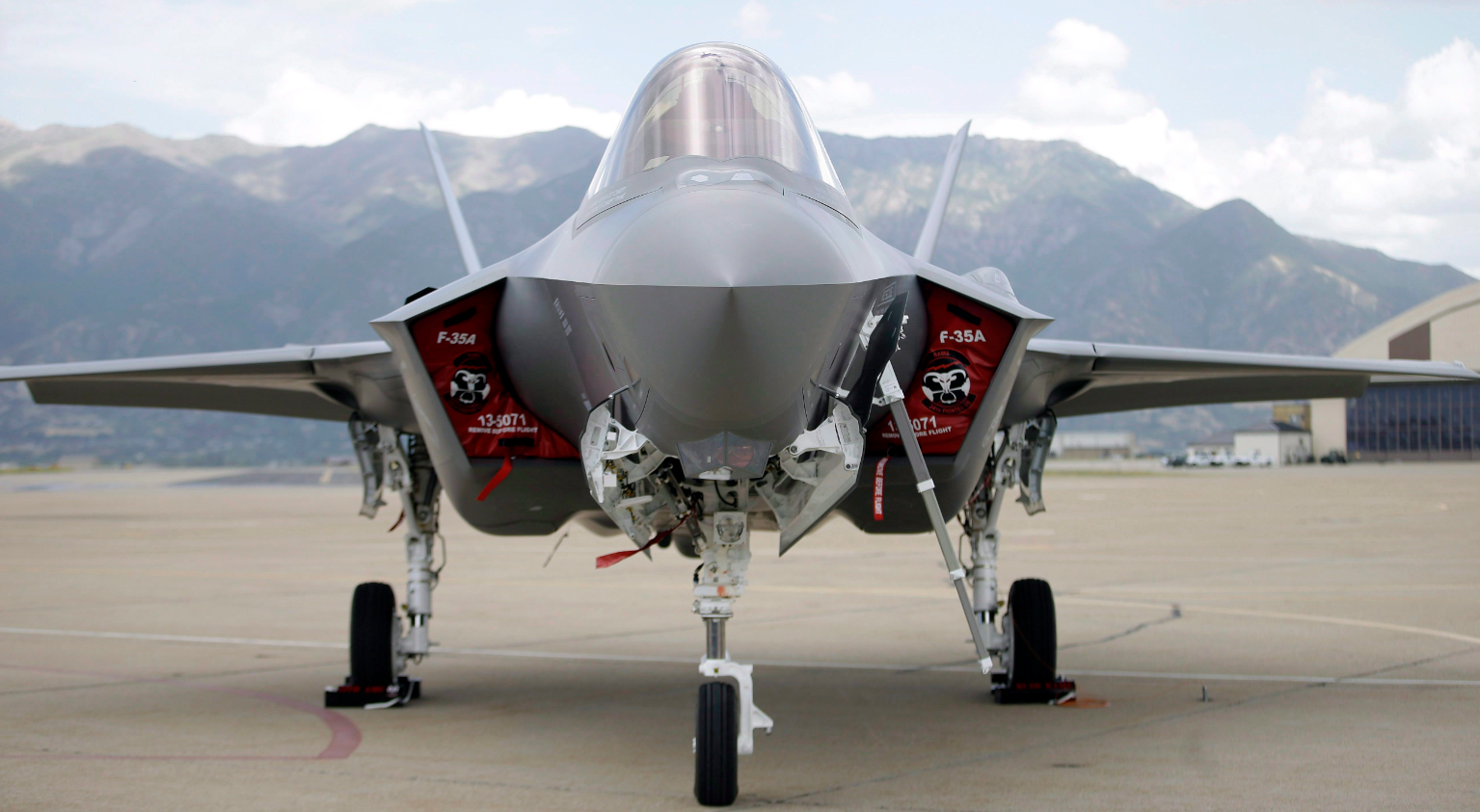 An F-35 jet sits on the tarmac at its new operational base Wednesday, Sept. 2, 2015, at Hill Air Force Base, in northern Utah in the United States. Norway's recent procurement of F-35s is the most costly purchase in the history of the Norwegian armed forces. (Rick Bowmer/AP)
