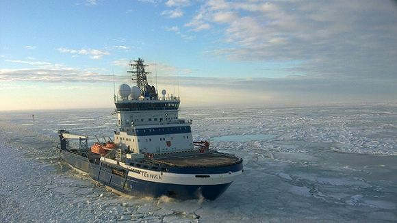 The Fennica off the Finnish coast near Pori. (Markku Sandell / Yle)