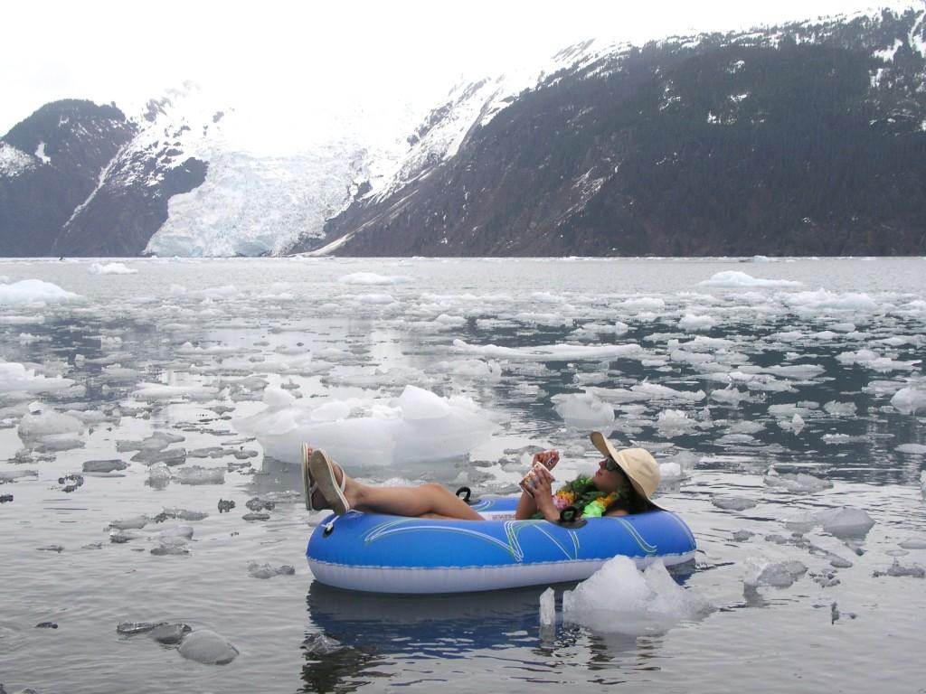 Melting ice in Alaska.(Irene Quaile)