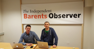 Journalist Atle Staalesen (left) and editor Thomas Nilsen (right) in the office of the Independent Barents Observer. (Independent Barents Observer)