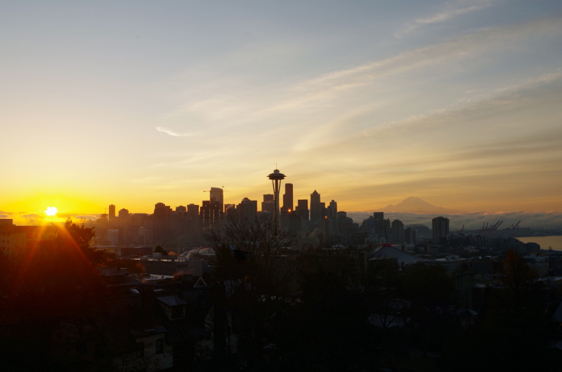 The sun rises in Seattle with Mt. Rainier in the background the day after AOOSM wrapped up. (Mia Bennett)