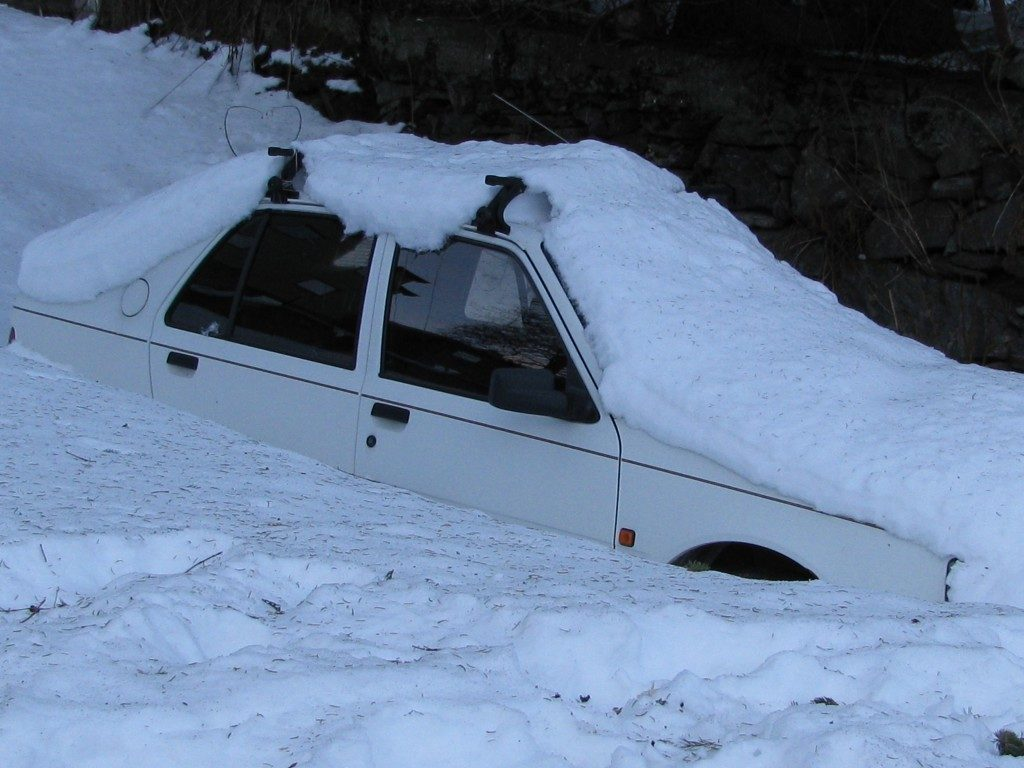 Heavy snow – not all fun. (Irene Quaile)