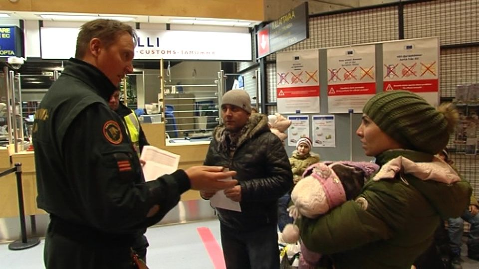 Most asylum seekers entering Finland from Russia now are arriving at the Salla border crossing point. Last fall, the majority entered at Raja-Joosepi border crossing. Photo: Jarmo Honkanen / Yle