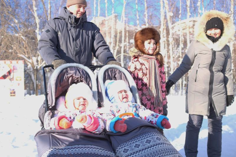 A family in Mirny, Russia. (Mia Bennett)