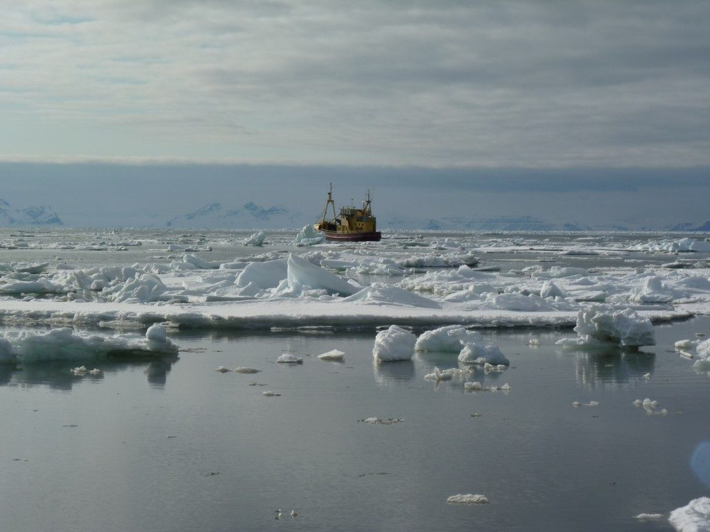 Shipping in icy waters is never completely risk-free. (Irene Quaile, Svalbard)