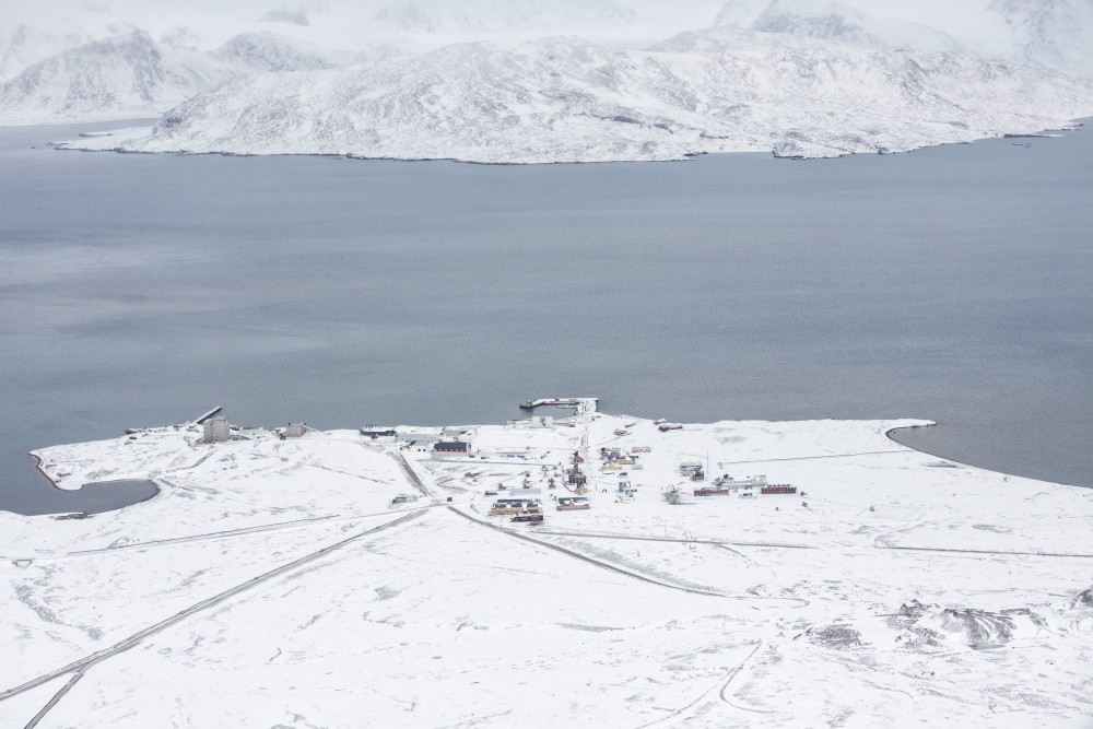 Breinosa is seen from the research Zeppelin Observatory that is operated by operated by the Norwegian Polar Institute and Norwegian Institute for Air Research in Svalbard in Norway October 17, 2015. Anna Filipova /REUTERS