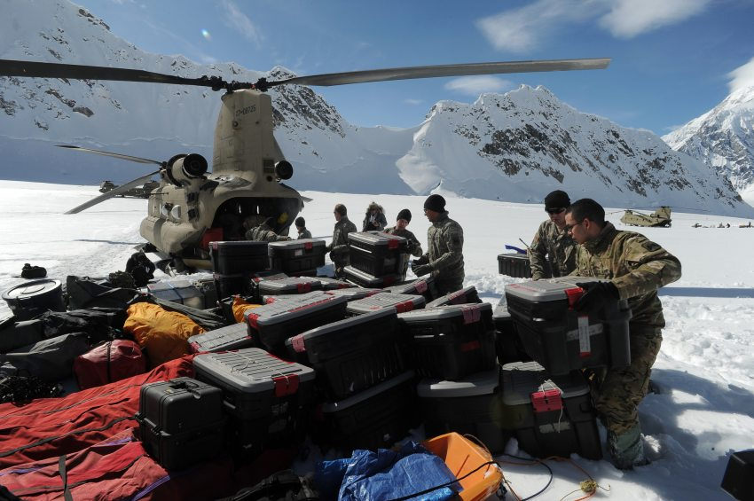 How soldiers and park rangers are preparing for Denali climbing season. Bob Hallinen / ADN