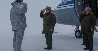 Russian Defence Minister Sergey Shoigu visits Franz Josef Land. Photo: Vadim Savitsky/ mil.ru