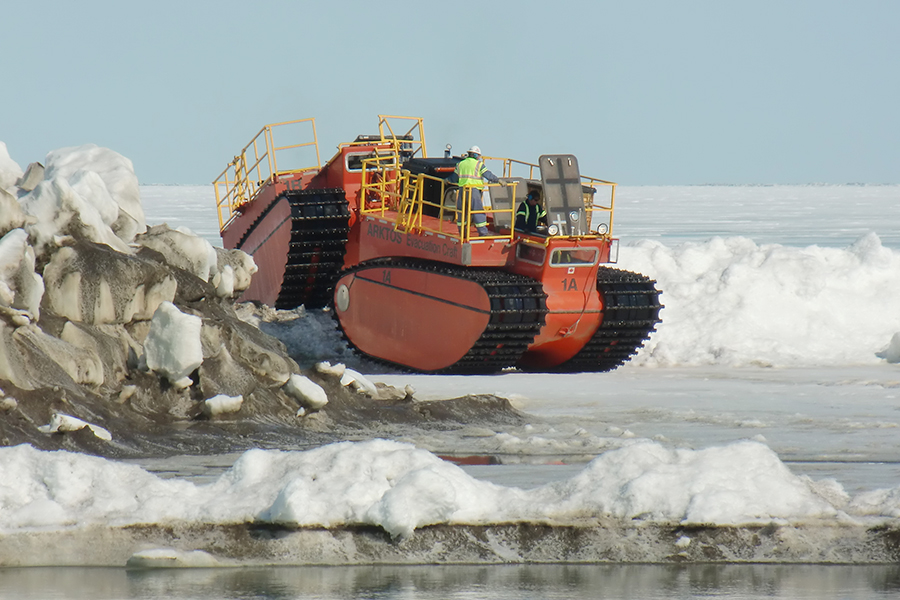 An Arktos evacuation craft negotiates an ice ridge in the Arctic. Photo Credit: Arktos Development Ltd.