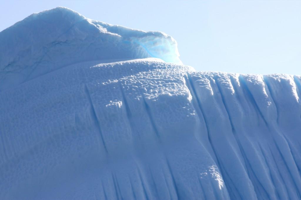 Greenland iceberg, broken off from the ice sheet. (Irene Quaile/Deutsche Welle)