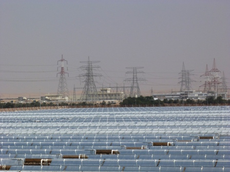 Solar power in the oil-state of Abu Dhabi. (Irene Quaile/Deutsche Welle)