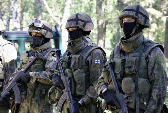 Finland is planning new military uniforms together with its Nordic partners. (Tommi Pesonen / Yle)