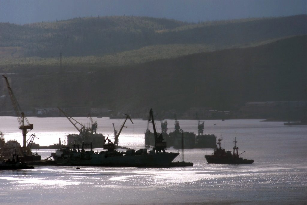 MURMANSK, RUSSIA:  Russian fishing boat enters 23 August 2000 the northern port of Murmansk in Kol'skiy (Kola) peninsula on the Barents Sea. (ALEXANDER NEMENOV/AFP/Getty Images)