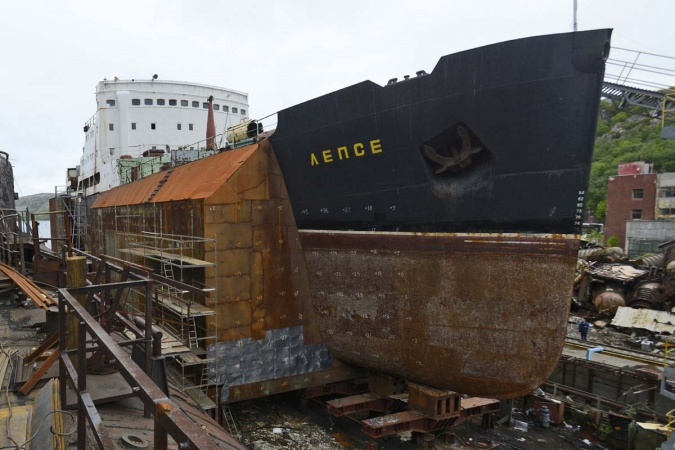 """""""Lepse"""" is today safely placed in a dock where decommissioning work takes place. (Nerpa shipyard)"""