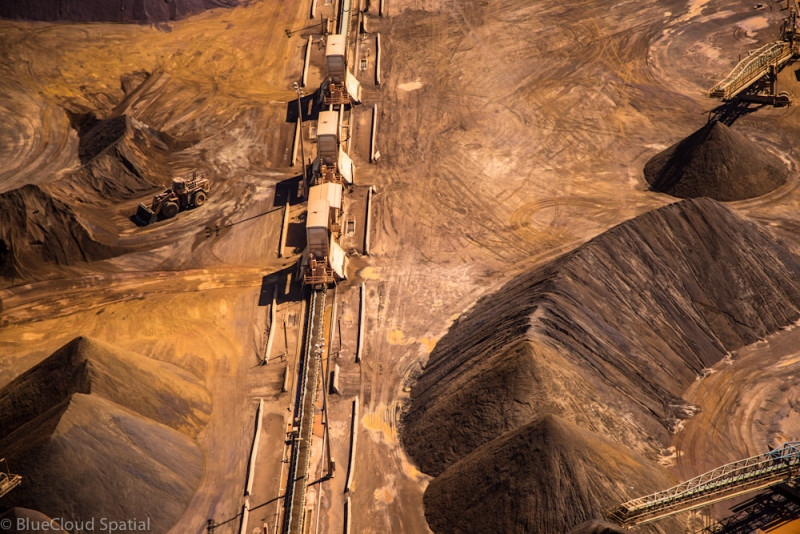 Iron ore mining in the Pilbara. ( J. Thomas Macmurray/Flickr) (Creative Commons 2.0 License).