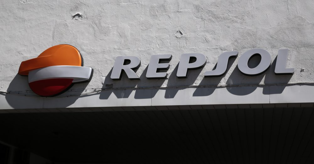 A Repsol logo can be seen on top of a petrol station in Madrid, Spain, April 8, 2016. REUTERS/Andrea Comas - RTSE6HT