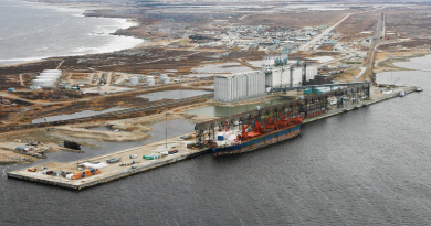 Aerial view of the port of Churchill, Manitoba. (John Woods/The Canadian Press)