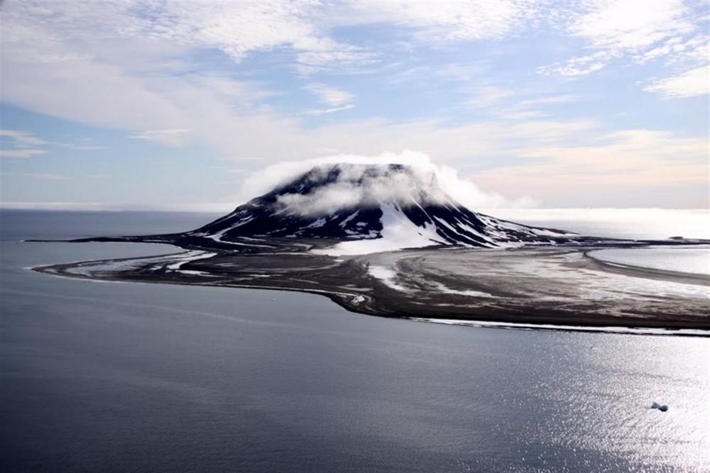 The Bell Island at Franz Josef Land. Photo: D. Banin, www.rus-arc.ru
