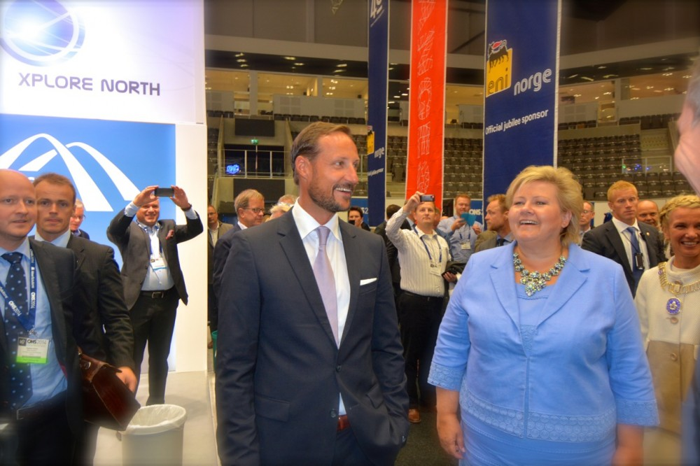 Prime Minister Erna Solberg and Prince Haakon visiting the Explorer North exhibition at ONS in Stavanger in 2015. (Thomas Nilsen/The Independent Barents Observer)