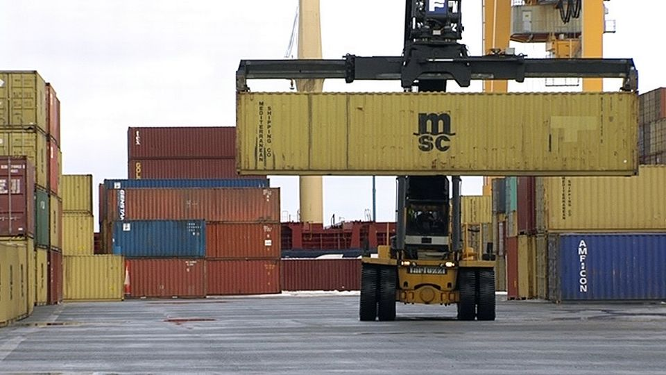 Finnish exports went up a little in June thanks to one big order. (Yle)