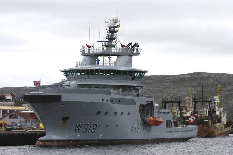 "Coast Guard vessel ""Harstad"" at port in Kirkenes. (Thomas Nilsen/The Independent Barents Observer)"