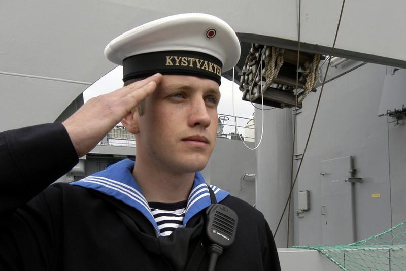 Coast Guard sailor on duty. (Thomas Nilsen/The Independent Barents Observer)