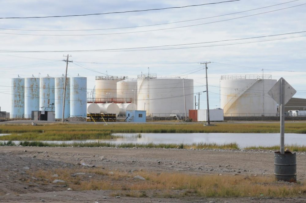 Diesel storage facility in the Hamlet of Arviat, Nunavut, Canada. (Peter Ewins / WWF-Canada)