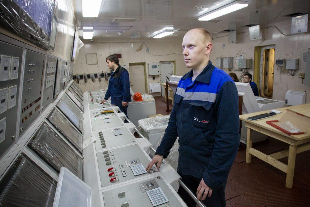 The Akademik Lomonosov is undergoing dock trials at the St. Petersburg Shipyard. (http://stock.rosenergoatom.ru/)