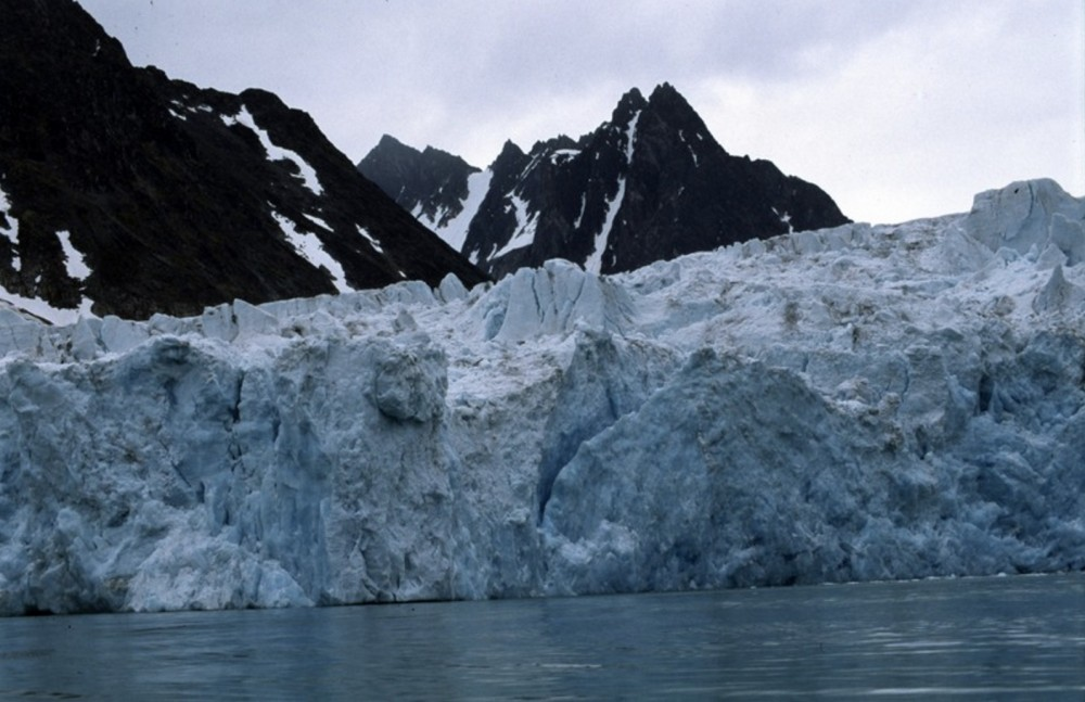 Doomed for melting. The Svalbard ice and glaciers. (Thomas Nilsen/The Independent Barents Observer)