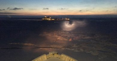 ice-locked-ships-start-moving-away-from-pevek-russia-after-5-months-of-captivity