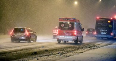 blowing-snow-reduces-visibility-in-southern-finland-accident-on-motorway-shuts-down-traffic