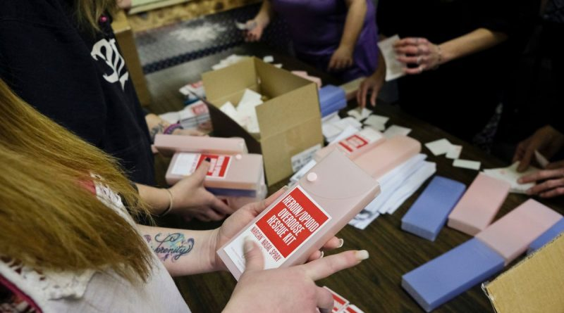 alaska-assembles-narcan-rescue-kits-hopes-preventing-overdose-deaths